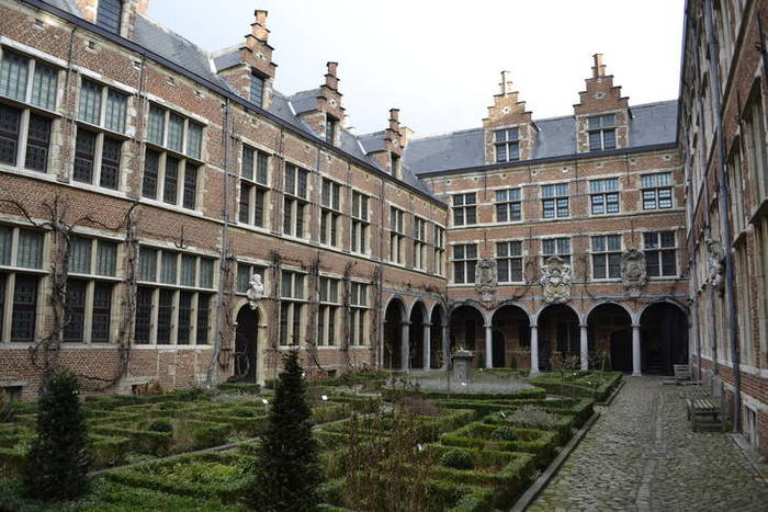 De tuin van het Museum Plantin-Moretus Antwerpen