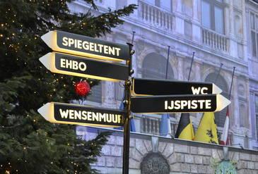 Wegwijzers Winter In Antwerpen